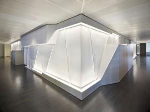 AKBANK-dagli-+-atélier-darchitecture-plusmood-core_boardmeeting_1-595x446